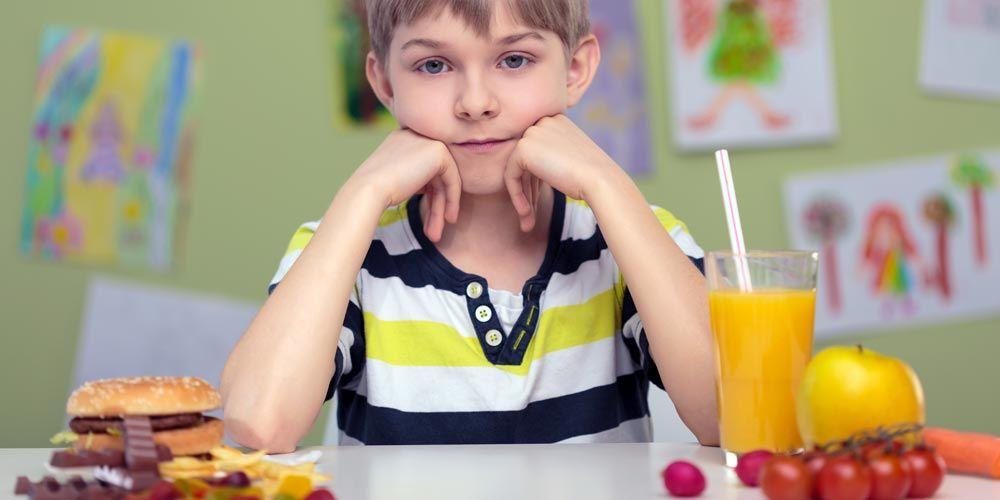 872d5c68c86 Μύθοι & αλήθειες για την παιδική παχυσαρκία | medΝutrition